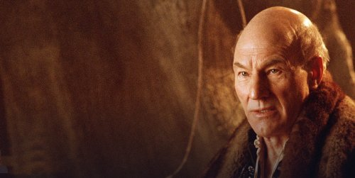 Patrick Stewart in 'Extras' television series