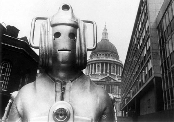 A Cyberman by St Paul's Cathedral